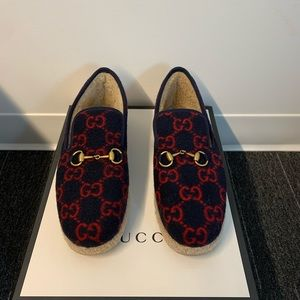 Men's Gucci slippers, size 8